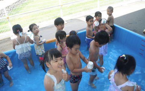 水遊び(年少・りす組)